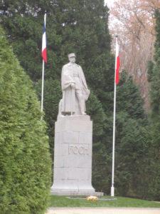 La Clairière de l'Armistice.- statue du Maréchal Foch -JPG