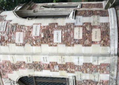 Le château d'If-noms des personnages et romans d'A. Dumas sur la façade