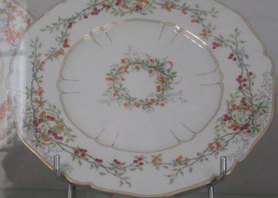 Assiette motif Pimprenelle d'un des services du Palais de l'Élysée