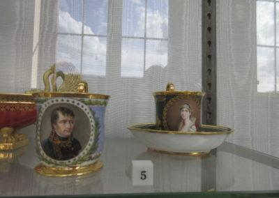 Napoléon et Joséphine- Tasse à chocolat peintes par Isabey  en 1803 et 1806-Manufacture Impériale de Sèvres
